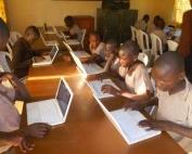 0701-34918-kenya-le-gouvernement-va-acquerir-pres-d-un-million-d-ordinateurs-pour-les-ecoles-primaires_L