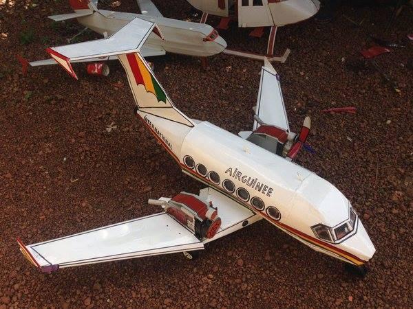Air Guinée par des jeunes