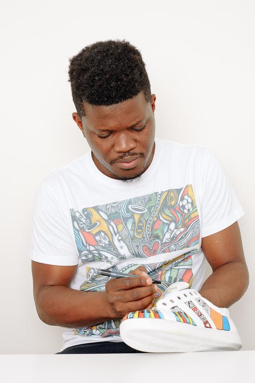 Prix des Air Max du jeune nigérian Laolu Senbanjo que Nike avait engagé