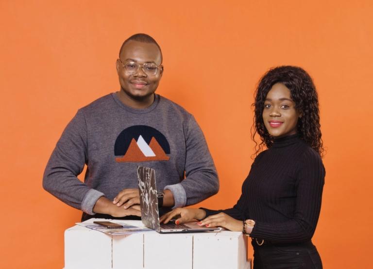 Lecvshop, mieux se vendre auprès des recruteurs : Ce jeune couple d'étudiants Togolais vivant en France veut démocratiser le CV design et efficace